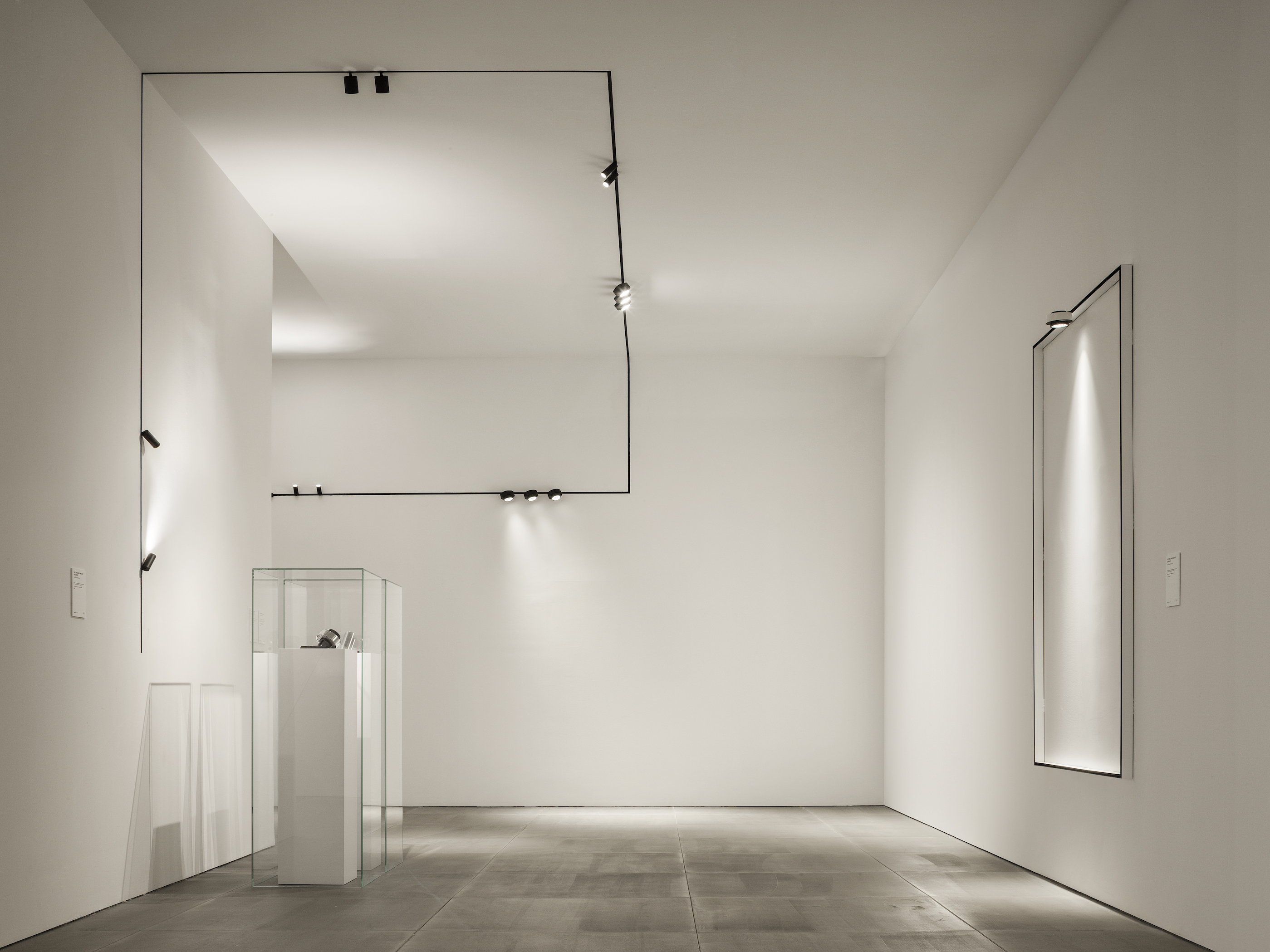 Flos Architectural Debuts Innovative Tracking Magnet Light