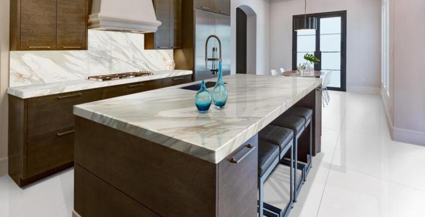 Neolith calacatta Gold Island and backsplash