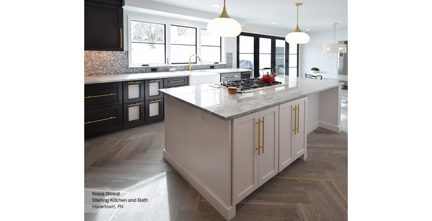 Traditional cabinet by Omega Cabinetry