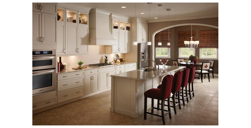 Traditional cabinet by KraftMaid