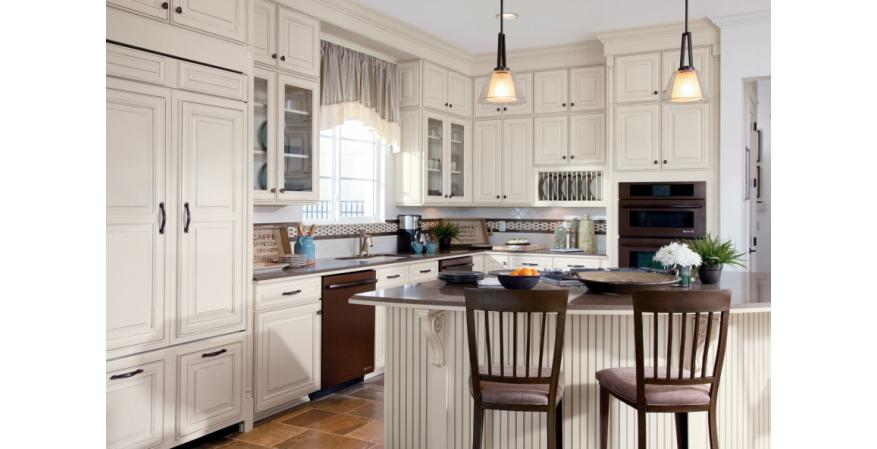 Traditional cabinet by Timberlake