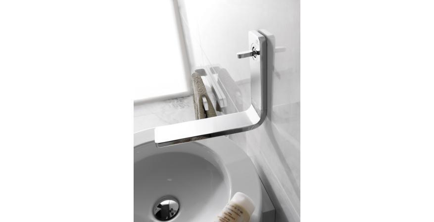 Porcelanosa Lounge wall mounted faucet