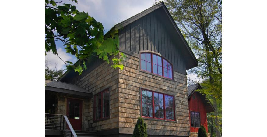 The first product to achieve Cradle to Cradle Platinum certification, Bark House poplar shingle siding is made from reclaimed tree bark, converting a waste material into an elegant wallcovering for exteriors and interiors. Nothing is added to the material during its manufacture, and it is fully recyclable at the end of its life