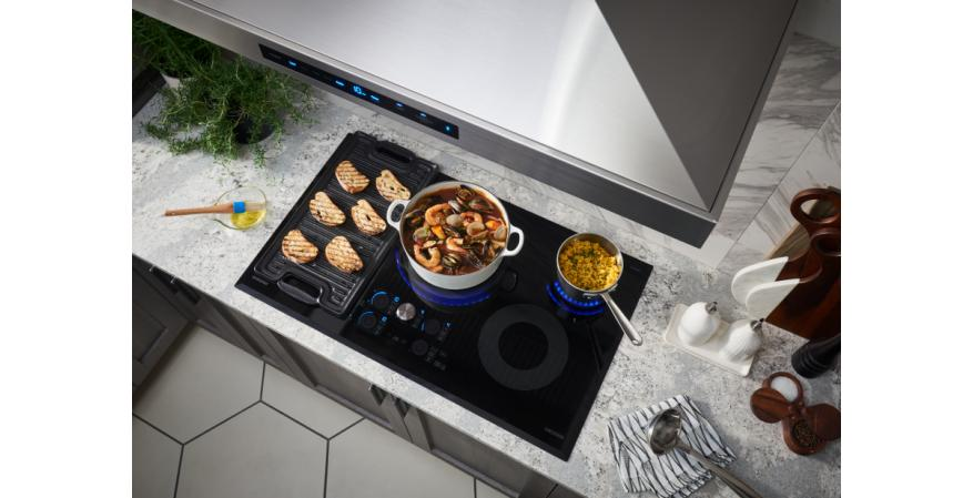 Samsung Chef Collection induction range in matte black