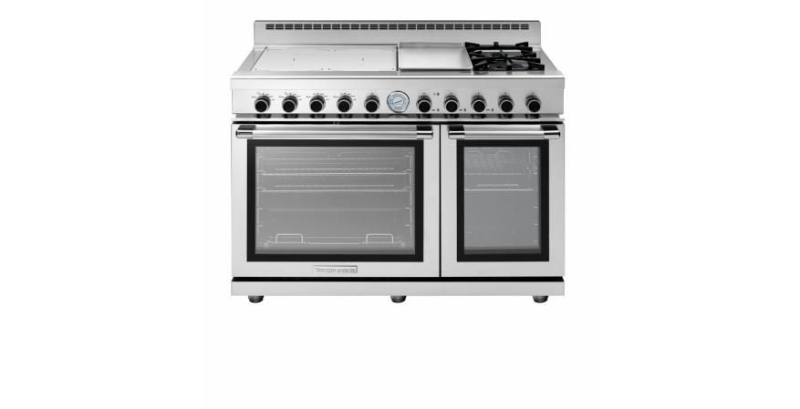 Catering to serious cooks, the gas ranges offer BTUs from 3,600 to 18,000 BTUs. The industrial-style Next (shown) includes a tri-fuel range offering gas, induction, and electric griddle cooking.