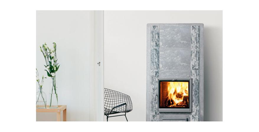 Tulikivi  Clad in soapstone, the Harmaja L offers an efficiency rating of 80 percent.