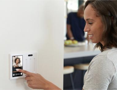 Brilliant home smart speaker camera