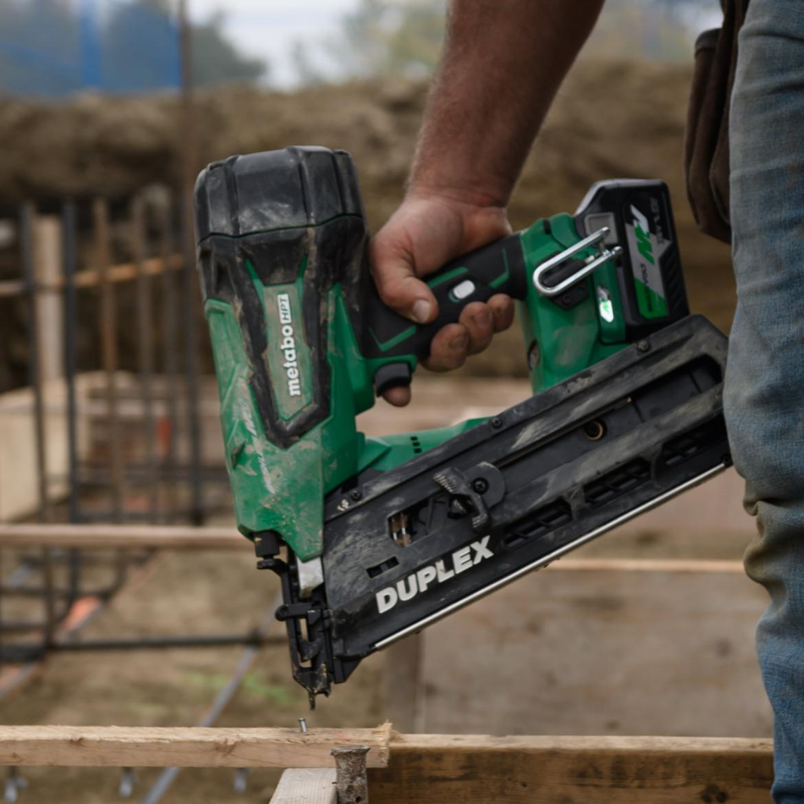 Metabo HPT MultiVolt cordless duplex nailer action