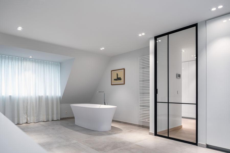 Modular Lighting Instruments Smart-1.9 Smart Cake Adjustable Bathroom