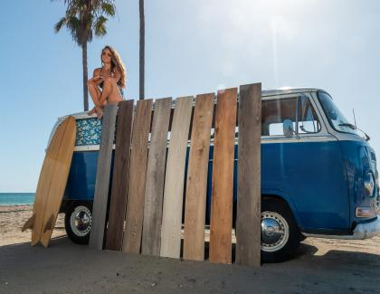 Cali Vinyl Longboards Flooring Bus