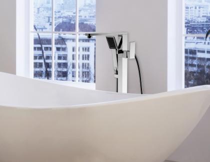 Lenova FST01SS Freestanding Tub Faucet Bath Installed