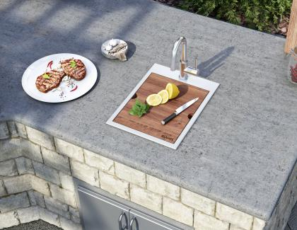 Outdoor kitchen cooking sink