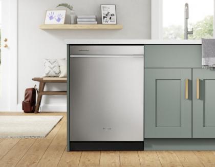 Whirlpool Fingerprint Resistant Quiet Dishwasher with 3rd Rack