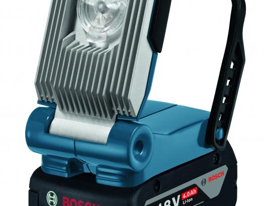 This 18-volt work light uses three LEDs to produce 420 lumens. Able to adjust to different angles, it can shine on a specific area or, with a turn of the control dial, provide diffuse light for a larger area. The 6.0-Ah battery offers continuous runtime of more than 13 hours