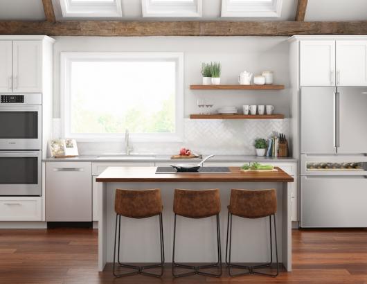 800 Series Refreshment Center Refrigerator