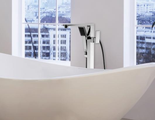 Lenova FST01SS Freestanding Tub Faucet Bath Installed
