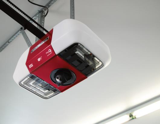 Liftmaster myQ Garage Door Opener With Smart Camera worms eye view