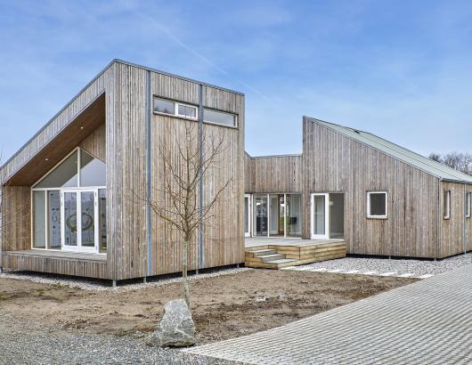 The Biological house by Een til Een