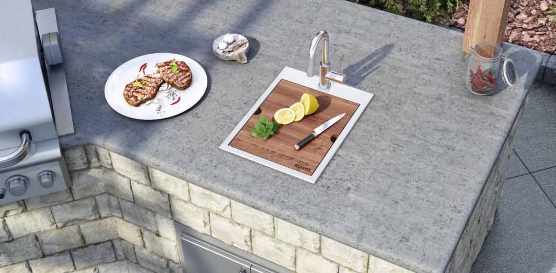 Outdoor kitchen cooking sink