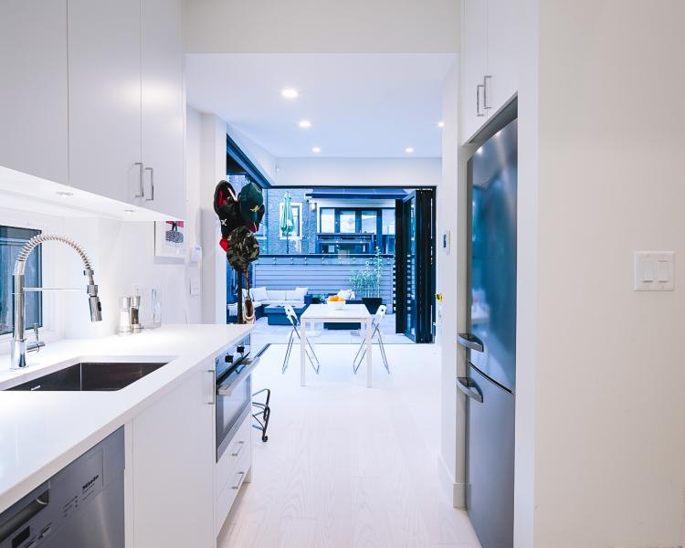 Nakamoto Forest Laneway House interior Kitchen Alex Glegg Design 4