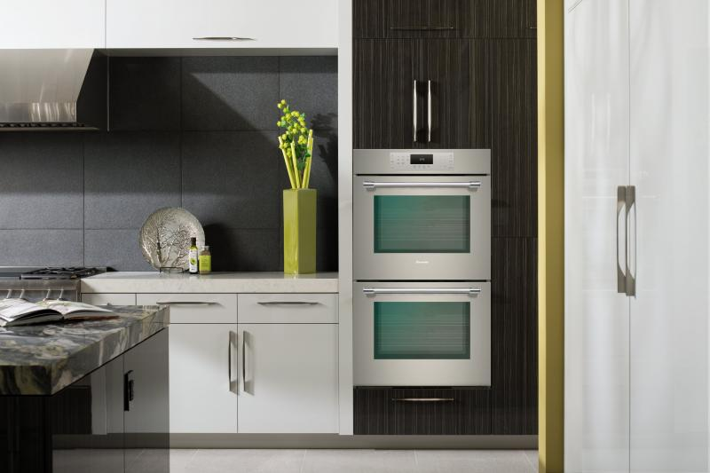 Thermador Leap Into Luxury kitchen ME302YP TNAH min