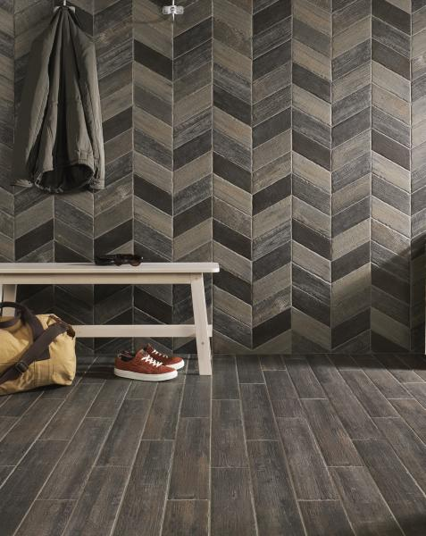 Natucer wood-look Ceramic wall tile coat and sneakers