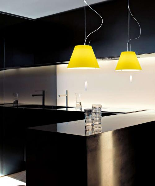 Pendant yellow light